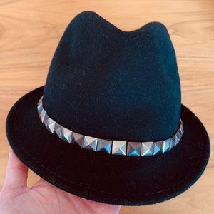 Black Bebe gunmetal studded fedora hat NWT